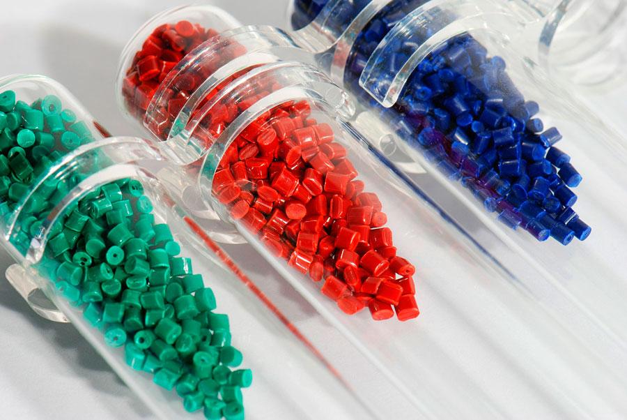 Análisis y caracterización de polímeros mediante Pirolisis-Cromatografía de gases (Py-GC)